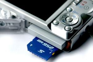 camera-card-slot-small